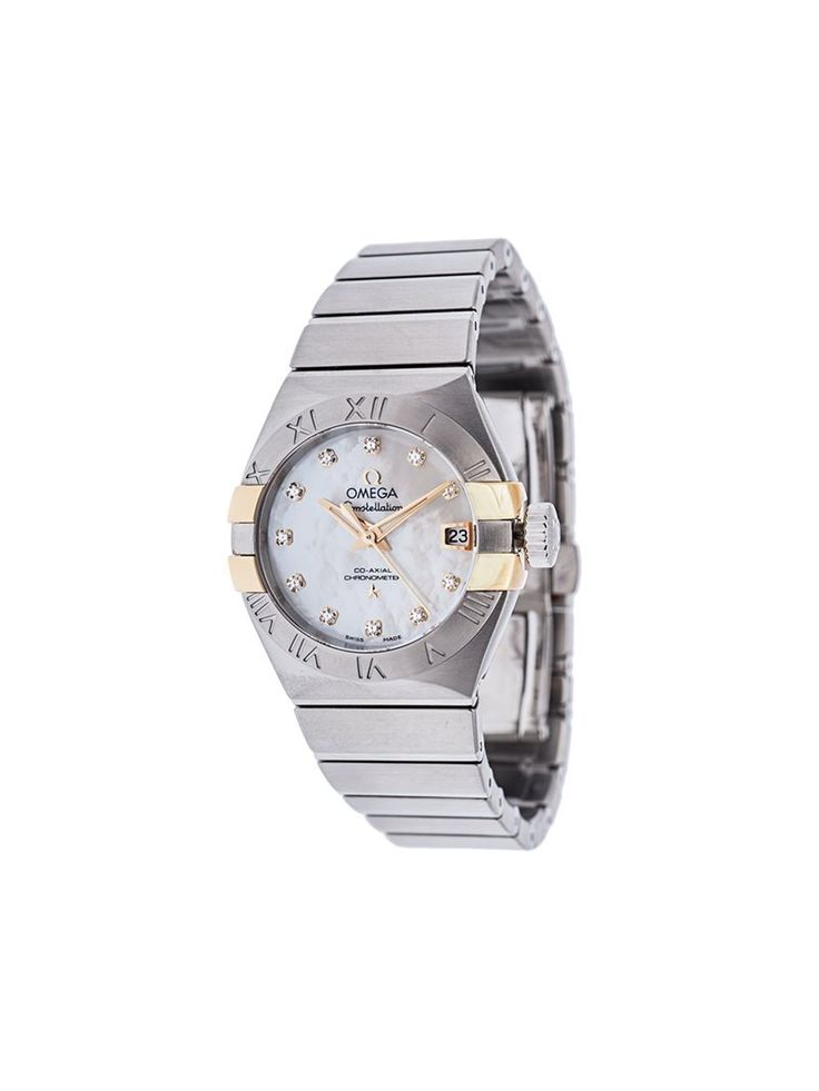 'Constellation' analog watch from Omega featuring an automatic movement, a date function, a central second hand, diamond accents, a 27 mm stainless steel case and a chronometer function. This piece is sent in its original box, with its original papers. Please note that delivery times may vary due to the authentication process of the product. For further imagery, please contact our customer service team. Reference number: 123.20.27.20.55.005. Article number: 004356. Manufactured in 2016…