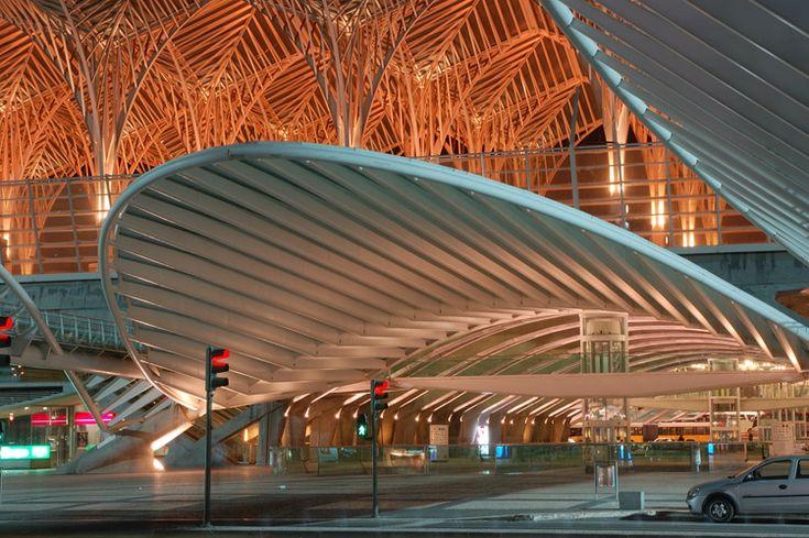 Gare de Oriente, Lisbon, Portugal (1998) Architect: Santiago Calatrava
