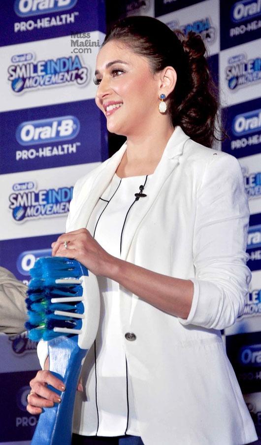 Madhuri Dixit @ Oral B Launch Smile India Movement