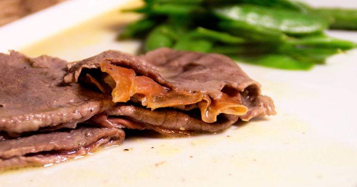 Saltimbocca är en Italiensk rätt med kalvkött, lufttorkad skinka och salvia. Vill du byta ut kalven mot fisk går det lika bra!