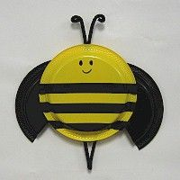 PAPER PLATE BUMBLE BEE: This cheery little fellow would look great on a bulletin…