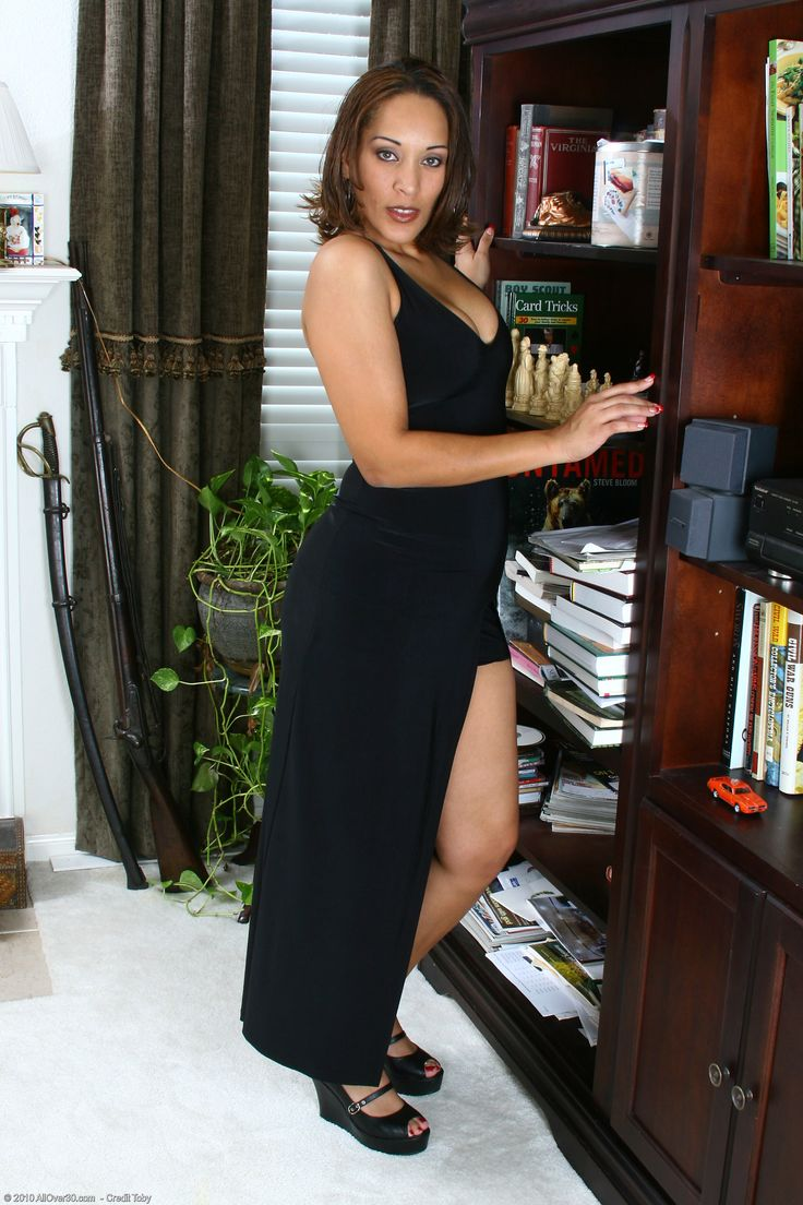 Elegant Ladies Vixen C from Allover30  Naked  Elegant woman Formal dresses Elegant