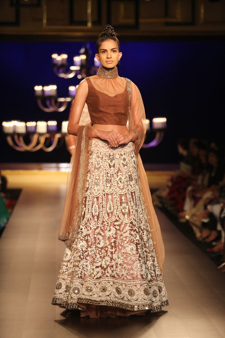 Manish malhotra bridal collection 2014 - Manish Malhotra Famous Indian Fashion Designer Has Recently Revealed Its Bridal Wear Collection At India Couture Week 2014 Held In New Delhi