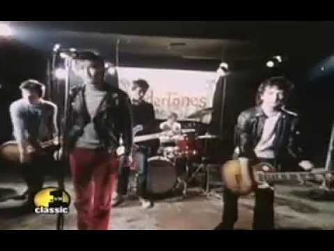 The Undertones-Teenage Kicks -The Undertones are a punk rock/new wave band formed in Derry, Northern Ireland, in 1975. From 1975 to 1983, the Undertones consisted of Feargal Sharkey, John O'Neill, Damian O'Neill, Michael Bradley and Billy Doherty