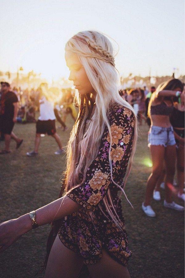 B O H E M I A N ☮ ❁ ғollow ↠ @ladyѕcorpιo101 ↞ on pιnтereѕт & ιnѕтagraм ғor мore ιnѕpιraтιon ☪ ☆ Coachella 2015 lady fashion.