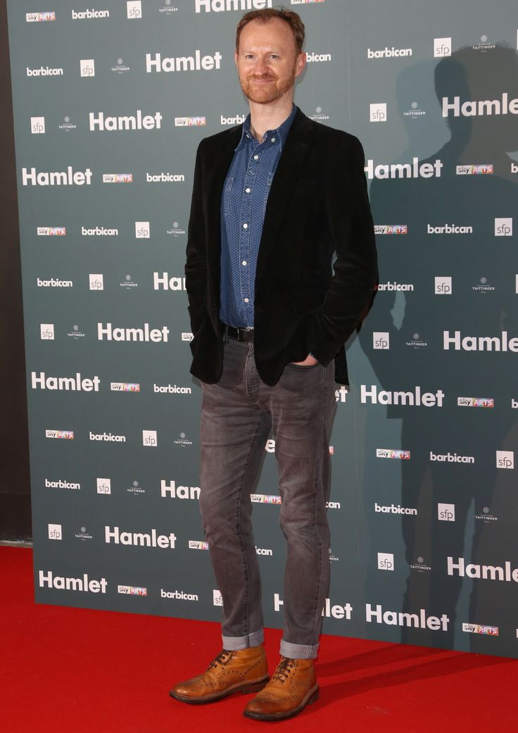 Mark Gatiss at the opening for Benedict's Hamlet. I love Mark Gatiss. That is all. :)