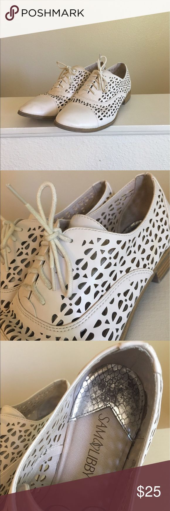 Sam & Libby Perforated Oxfords Size 9 cream colored oxfords by Sam & Libby. Flat with lace up tops. Some signs of wear on the toes and the sides of the shoes as pictured. Super cute and unique!   I ship daily - excluding Sundays and holidays - and I store items in a smoke free, pet free environment. Open to offers; bundles discounted! Sam & Libby Shoes Flats & Loafers