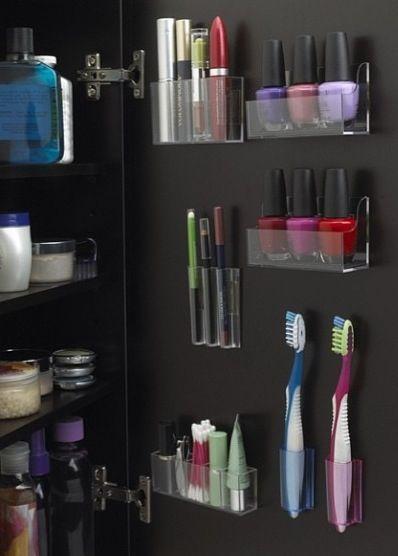 Sleek Bathroom Organization Use command stuff for apartment