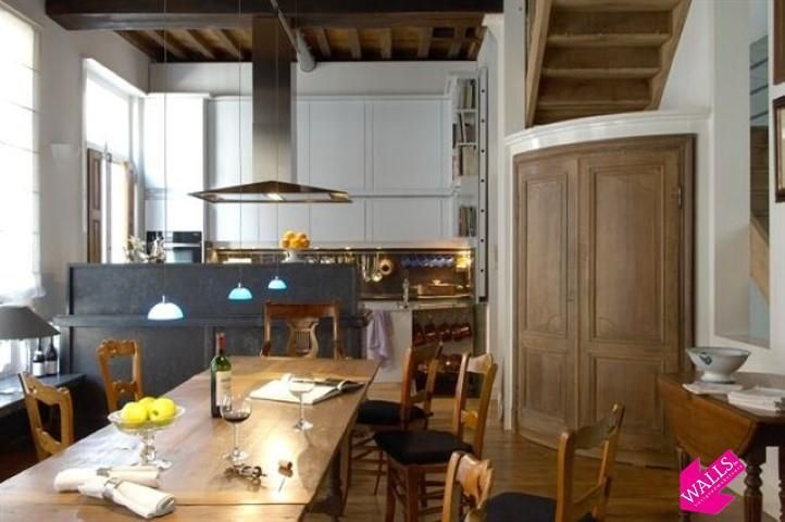 17 beste idee n over gerenoveerd bureau op pinterest afgewerkt meubilair opnieuw inrichten en - Keuken met wijnkelder ...