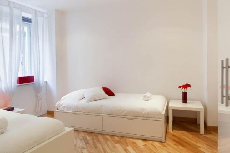 Second bedroom. 2 single beds (90cm width), 1 fold-out single bed