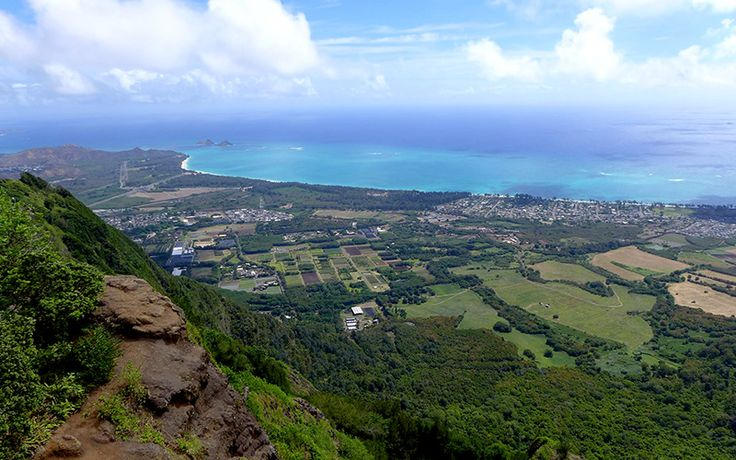 O'ahu Hike of the Month: Kuli'ou'ou Ridge Trail - Honolulu Magazine - May 2016 - Hawaii