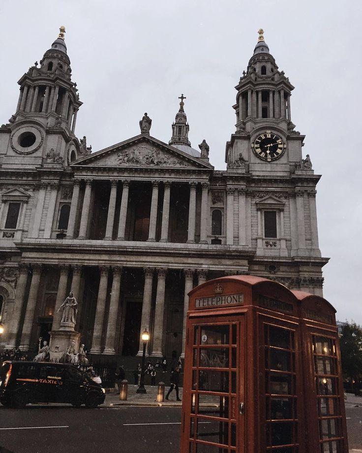 London is always a good idea.👌🏼 ____________    #london #england #stpaul #photography #tb