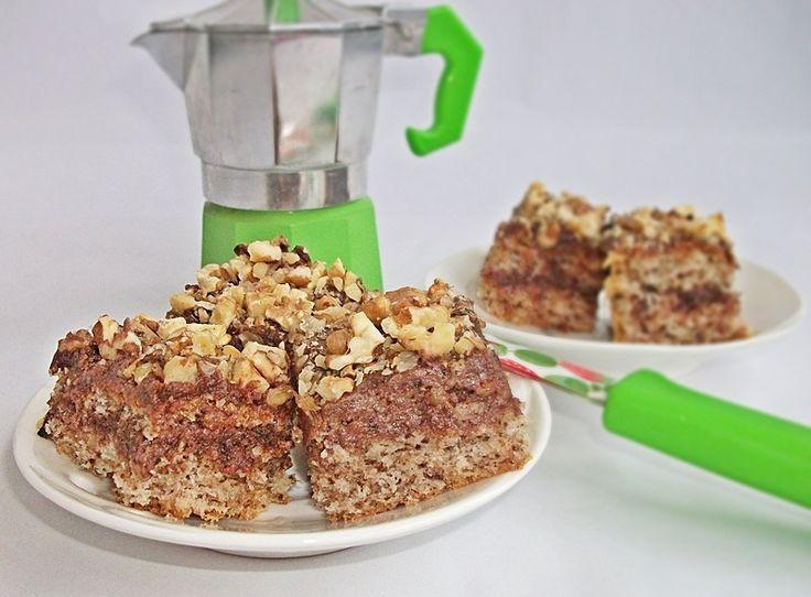 Reteta Prajitura cu blat cu nuca si crema de cafea - Prajituri