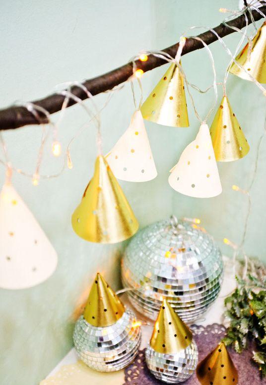 빛나는 금빛 크리스마스! #크리스마스 #가랜드 #조명 #LED #장식 #데코 #파티 #christmas #garland #decoration #party #interior