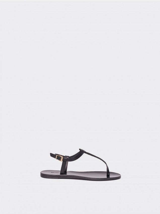 Grekoa Black Sandals //