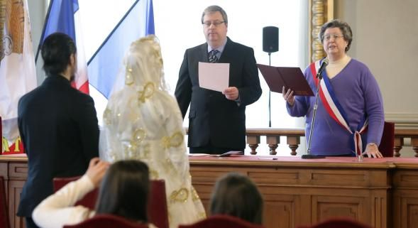 Année après année, la municipalité roubaisienne signale de plus en plus de mariages suspects au parquet. Sur les neuf premiers mois de l'année, la célébration de 28 faux mariages a été évitée grâce à l'action du service de l'état civil. Les tentatives...