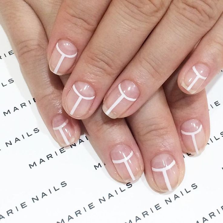 8 Negative Space Manis That Are Perfect for Spring | Brit + Co