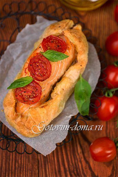 Рецепт: Слойки с лососем и помидорами черри