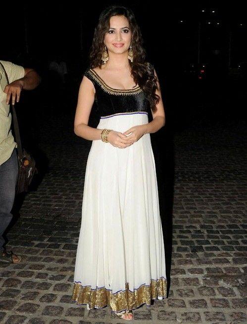 Kriti Kharbanda in White Anarkali Suit with Yoke - Hot Cleavage Images