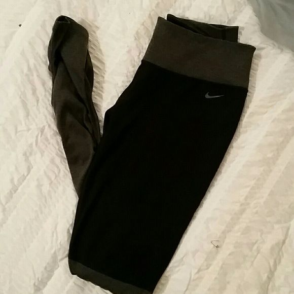 For @amfrantz1 Nike Leggings WILL Swap FOR A size small:-) Very Good condition, Tad To Big. Nike Pants Leggings