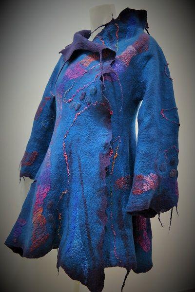 Casaco em feltragem artesanal delã merino com sedas. Felted coat ideiasdaflora@gmail.com Portugal