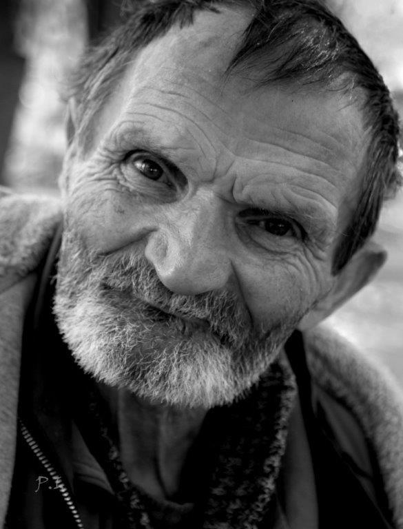 """Dr. Pálffy István  """"MISI"""" Habár elég sokan ismerik  a képet a facebookról, itt is közzé teszem, hisz egyik kedvenc portré fotóm. Misi, Mór egyik ikonikus alakja, mindenkinek eszébe jut valami ha látja… Több kép Istvántól: www.facebook.com/palffydr/photos_albums"""