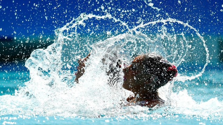 Linda Cerruti and Costanza Ferro of Italy compete in the Women's Duets Synchronised Swimming Free of the Rio 2016 Olympic Games at Maria Lenk Aquatics Centre on August 14, 2016  (Clive Rose / Getty Images)