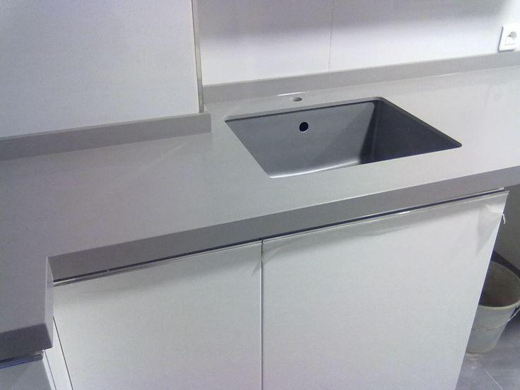 Witte Bloem Keuken : keuken rvs past bij elke kleur witte keuken grijs ...