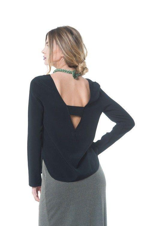 Μαύρη μακρυμάνικη μπλούζα με V πλάτη