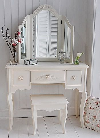 I desperately want to find a vintage French style dressing table with curvy legs, then paint it a dusty Annie Sloan grey