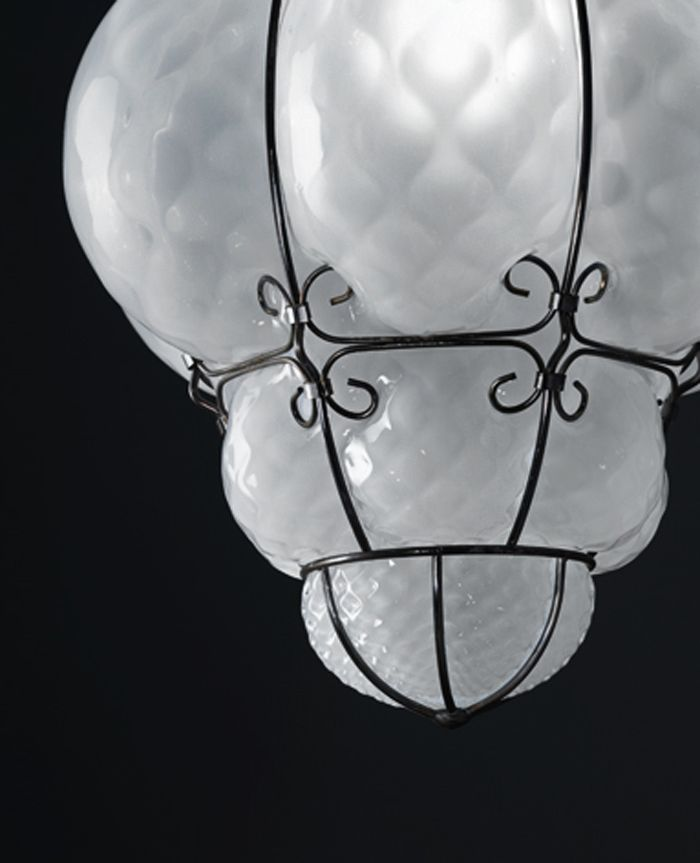 Classic #Lamp, Vecchia #Murano collection by #Siru. A traditional venetian lamp with a touch of contemporary.