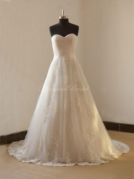 Romantisches A Linie Hochzeit Spitzenkleid mit von MermaidBridal