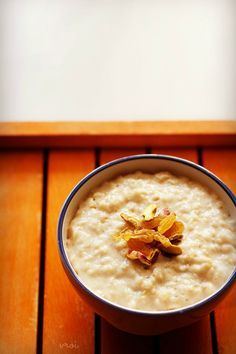 quick oats porridge recipe made with oats, water or milk. both quick cooking oats or rolled oats can be used.