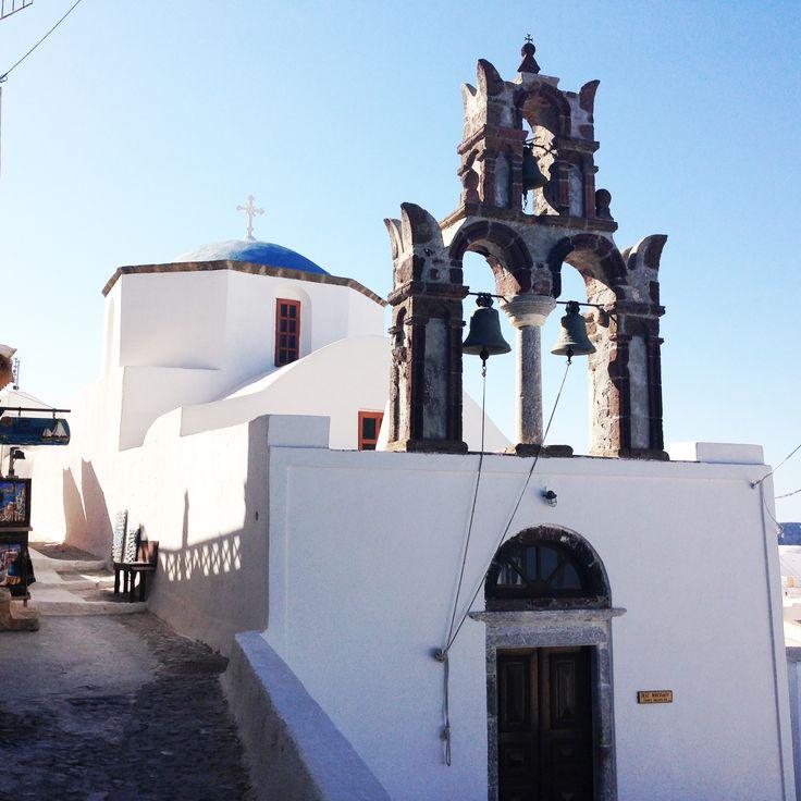 Chiesa nell'antico villaggio di Pyrgos
