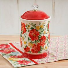 Free Shipping on orders over $35. Buy The Pioneer Woman Pioneer Vintage Floral 10-Inches Canister w/Acrylic Knob at Walmart.com