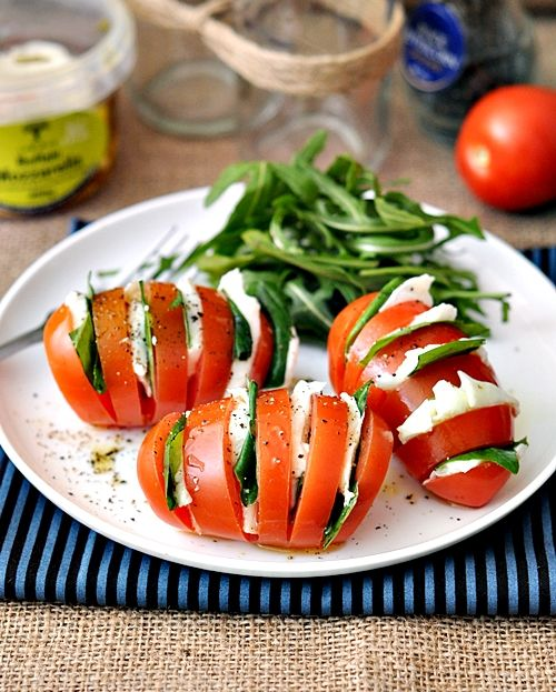 Hasselback Caprese Salad by fussfreecooking #Salad #Tomato #Caprese