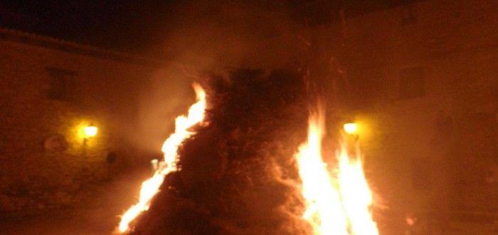 La hoguera de nochebuena en Javierregay