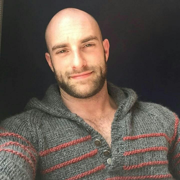 Pin by isak gonhol on men faces bald bearded edition pinterest bald man handsome and hot guys - Mobel bald olpe offnungszeiten ...