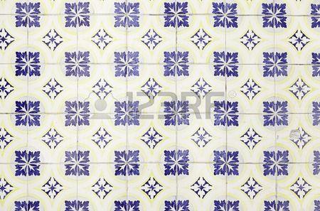 Piastrelle con la tipica vecchia Lisbona particolare della decorazione tradizionale del Portogallo c Archivio Fotografico