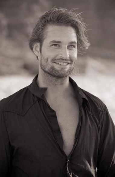 Josh Holloway.    ❤❤❤❤❤❤. He is too sexy for his own good lol