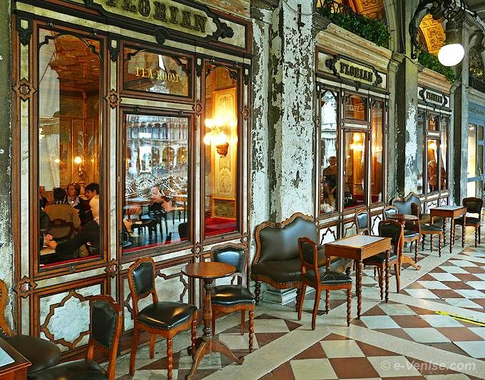 Le Café Florian sur la Place Saint Marc à Venise - My favorite coffee shop!!! I wish I was there now sipping a latte.