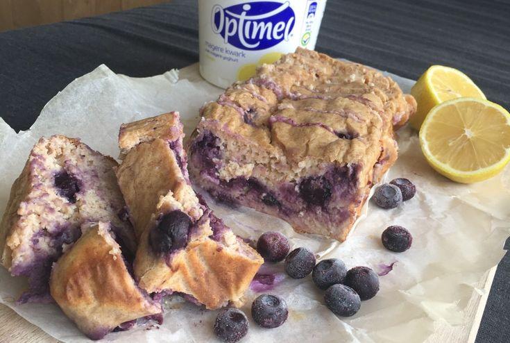 Recept voor een frisse citroen-kwark cake blauwe bessen