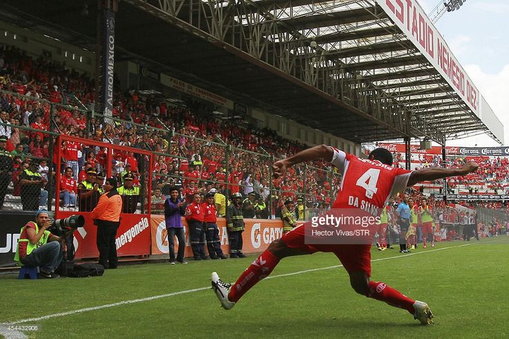 Paulo Da Silva of Toluca celebrates after scoring the second goal against Veracruz during a match between Toluca and Veracruz as part of 7th round Apertura 2014 Liga MX at Nemesio Diez Stadium on August 31, 2014 in Toluca, Mexico.