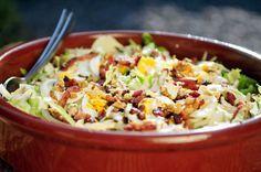 Andijvie (endive) salade met kerrie, ei, spekjes en walnoten
