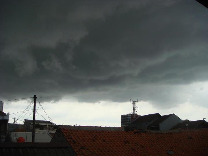 """""""Clouds Fight"""""""