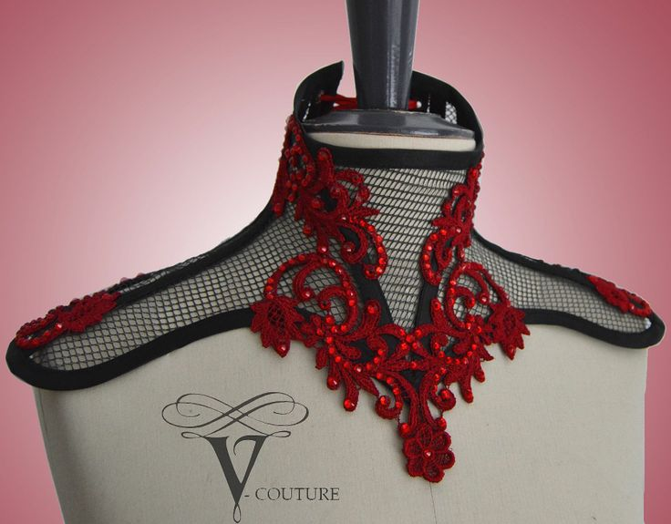 Neck corset with lace and rhinestones