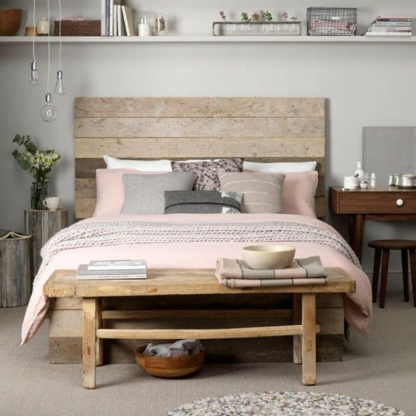 Schlafzimmer kopfteil holzplatten komplett gestalten bettbank