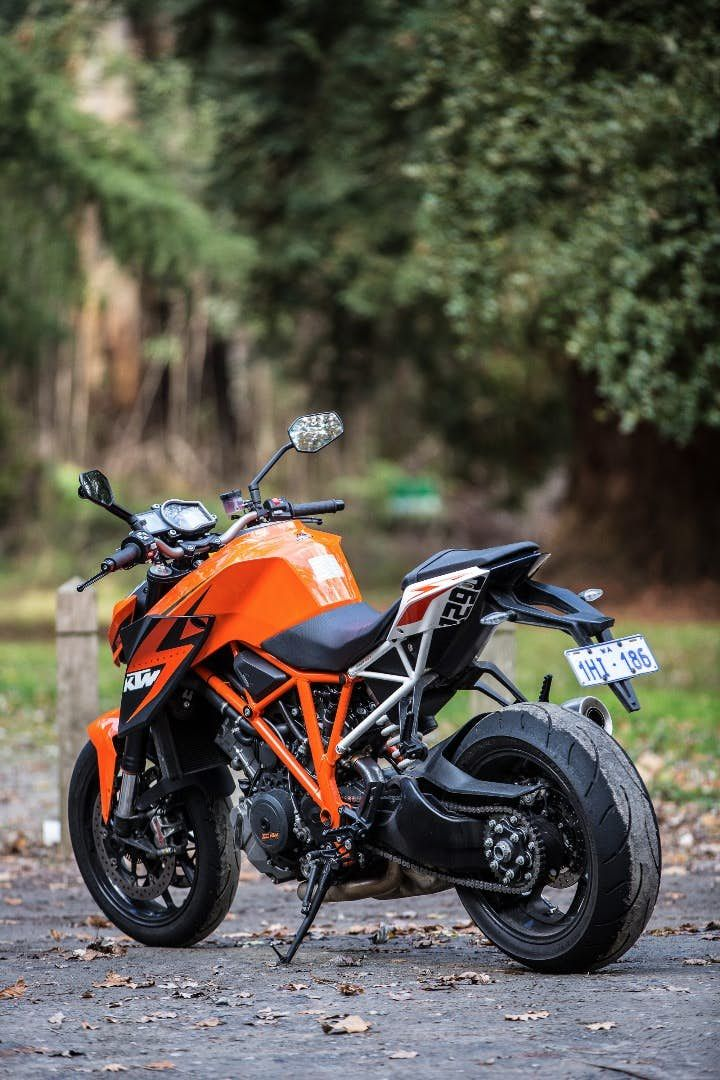 Ktm S 1290 Super Duke R Falls Mercifully Short Of Expectations Best Photo Background Studio Background Images Dslr Background Images Ktm wallpaper for iphone png