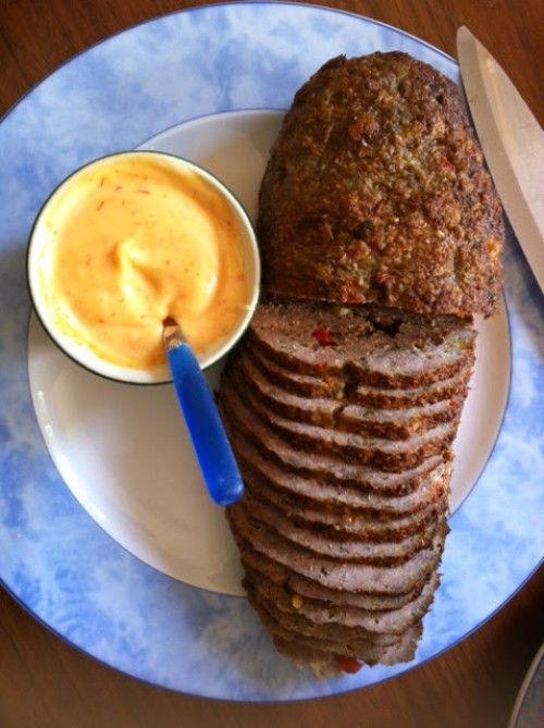 Kruidig gehaktbrood voor veel eters. Ideaal voor een feestje. Koud ook heel lekker.