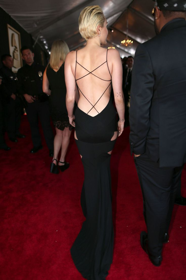 You Have to See Miley Cyrus's Grammys Dress From the Side and Back -Cosmopolitan.com
